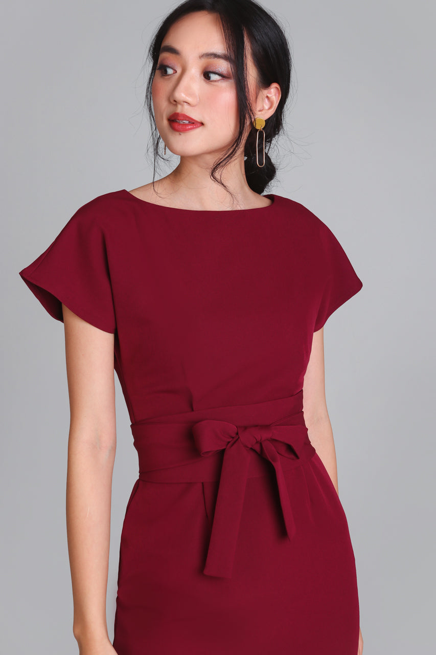 Restocked* Flaunt Obi Shift Dress in Wine