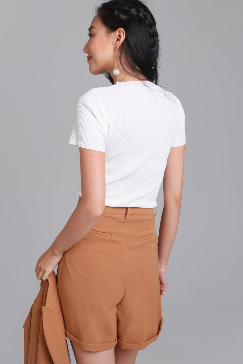 Tally Up Tailored Shorts in Camel