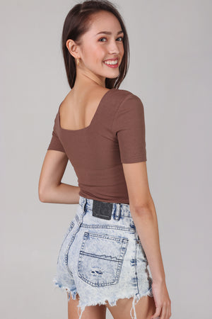 Alma Sleeved Ribbed Top in Cocoa