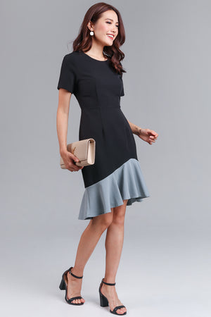 Adella Colorblock Mermaid Dress in Black