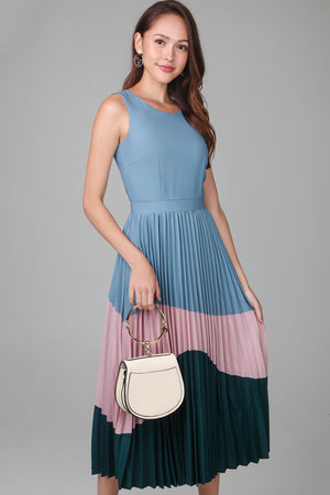 April Colorblock Pleated Dress in Teal