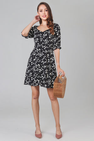 Daisy Sweetheart Dress in Black