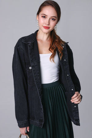 Boyfriend Denim Jacket in Black