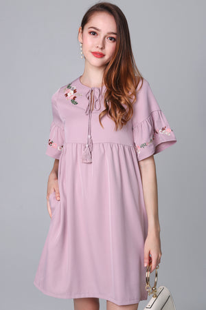 Jacintha Embroidered Dress in Pink
