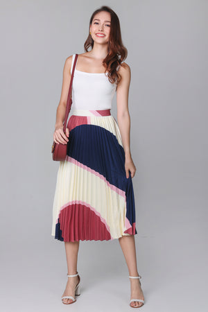 Latitudes Graphic Pleated Skirt in Navy Rose