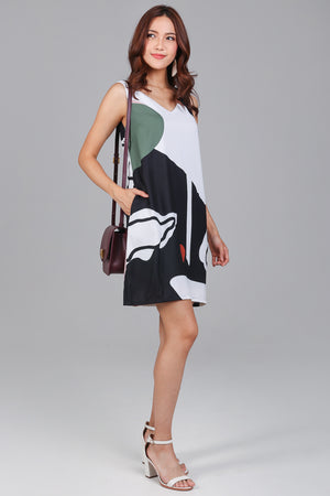 Amelia Graphic V-Neck Dress in Black