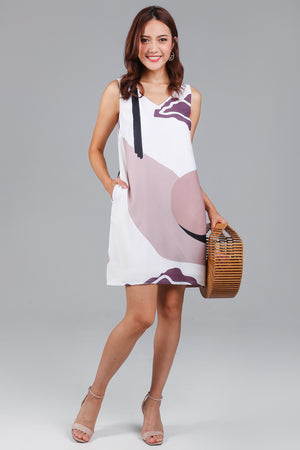 Amelia Graphic V-Neck Dress in Pink