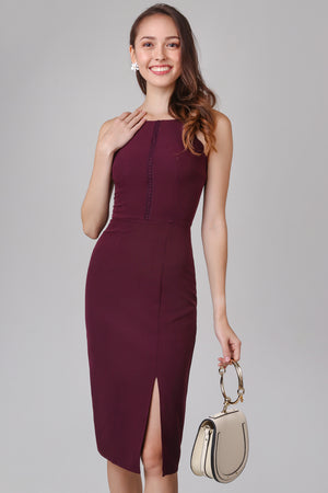 Hera Scallop Hem Dress in Wine