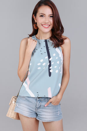 Jubilee Graphic Top in Jade