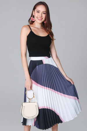 Latitudes Graphic Pleated Skirt in Grey Pink