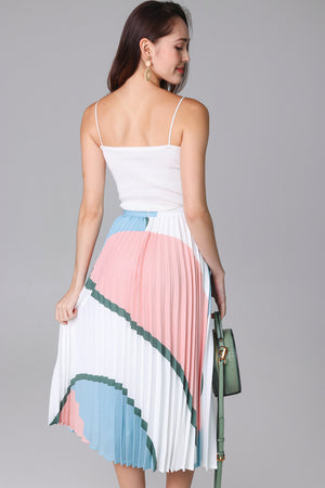 Latitudes Graphic Pleated Skirt in Peach Sky