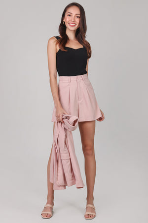 Chelsea Tailored Shorts in Nude Pink