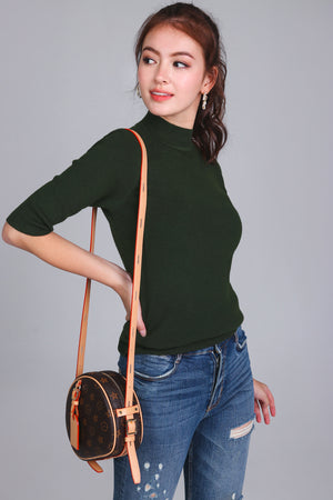 Mid-sleeve Turtleneck Top in Forest