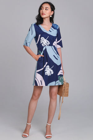Palm Springs Graphic Dress in Navy