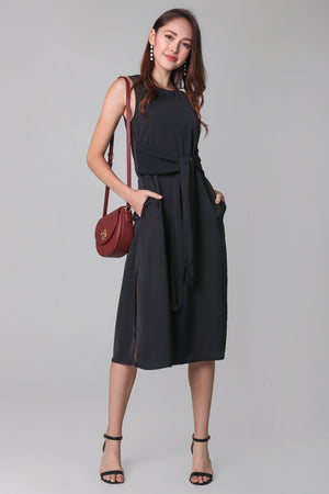 Easy Go Midi Dress in Black