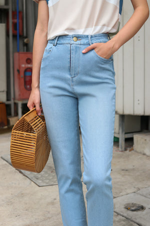 Tommie Straight-Cut Jeans in Light
