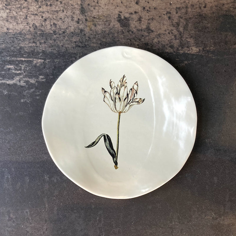 Fliff Carr Plate with White Tulip Detail