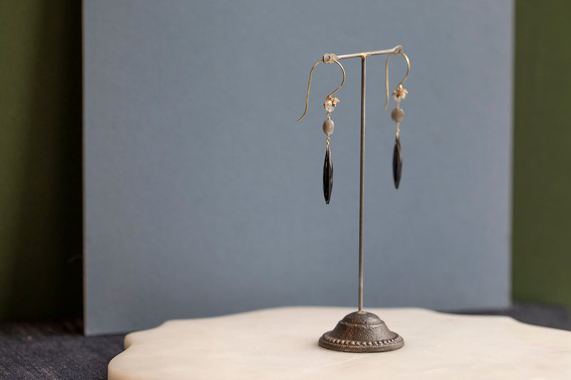 18 CT GOLD HOOK EARRINGS WITH LARGE SPINEL TEARDROP AND BEAD CLUSTER