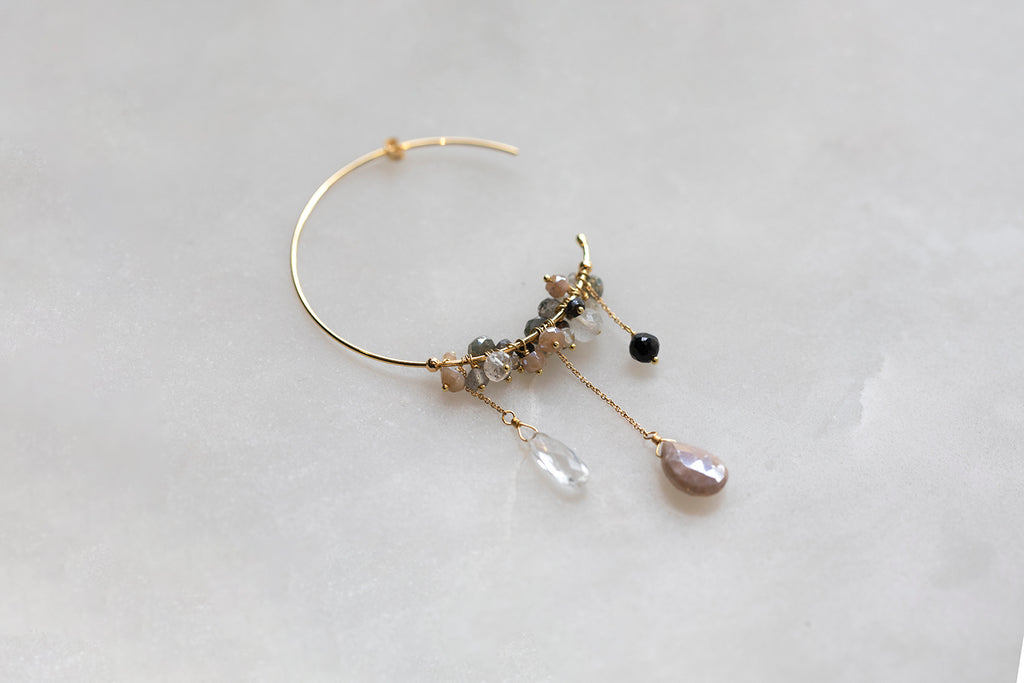 18 CT GOLD LARGE HOOP EARRINGS EITH BEADS AND LARGE QUARZ, PINK MOONSTONE AND ONYX DROPS
