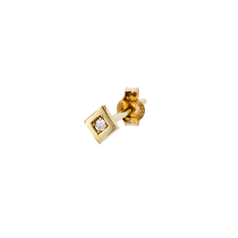18CT YELLOW GOLD SQUARE STUD EARRING SET WITH 1 DIAMOND IN THE CENTER