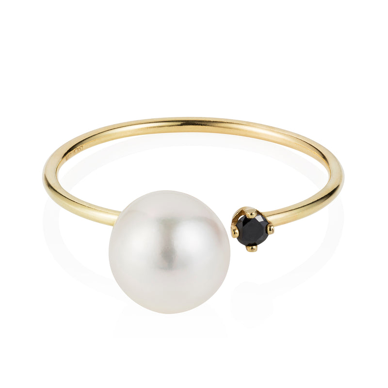 BLACK DIAMOND AND WHITE PEARL RING
