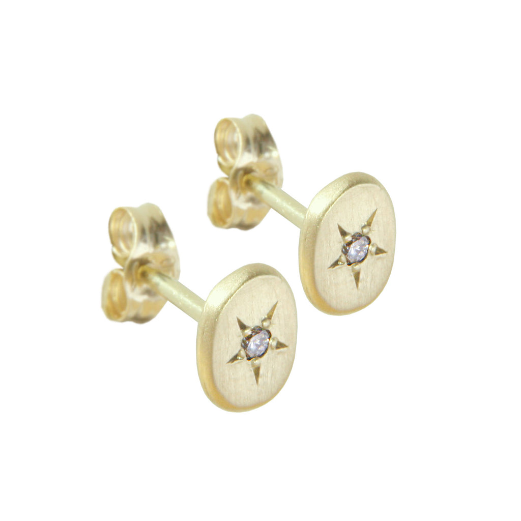 18CT GOLD STUDS WITH STAR SET OVAL