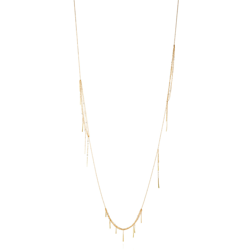 18CT GOLD LONG FINE CHAIN NECKLACE WITH SECTIONS OF LAYERED CHAIN AND HANGING BARS