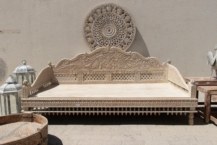Carved Daybed  simple lucky-furniture-handicrafts.