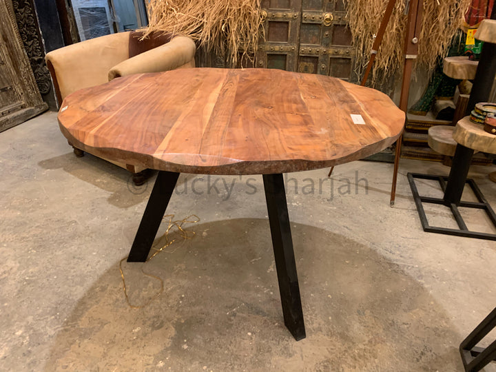 Round Acacia Table with TRI BASE   lucky-furniture-handicrafts.