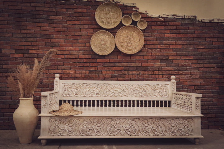 Heavy Carved White Wash Daybed   lucky-furniture-handicrafts.