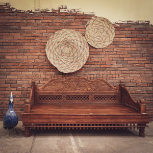 Heavy Carved Daybed   lucky-furniture-handicrafts.