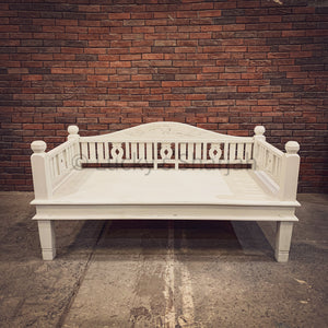 Whitewash Daybed   lucky-furniture-handicrafts.