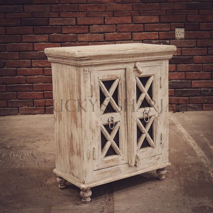 Victorian bedside table   lucky-furniture-handicrafts.
