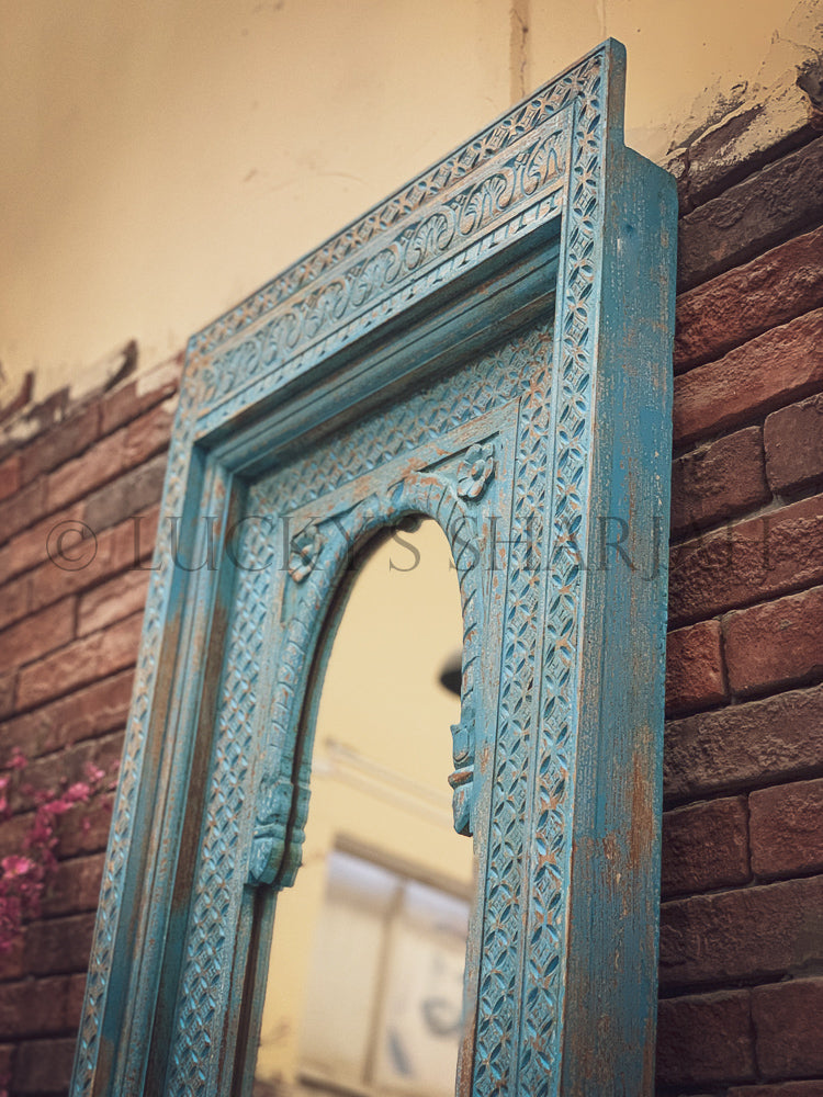 Vibrant Blue glass door sideboard   lucky-furniture-handicrafts.