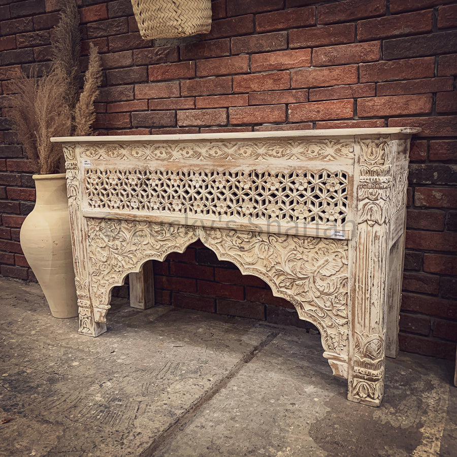 Mehrab design carved console