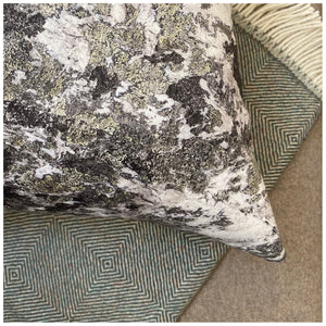 CUSHION - 50x50 Indoor - METAMORPHIC