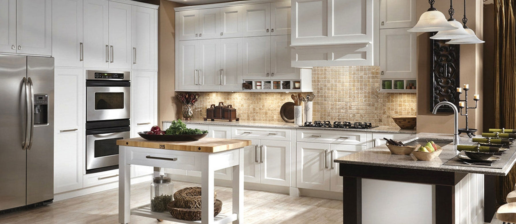 A renovated Kitchen décor remodeling done by Customdecor