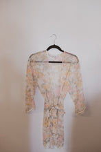 Load image into Gallery viewer, VINTAGE SHEER ROBE (S-M)