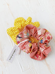 Scrunchies - Set of 2 (Polka Dot Yellow x Haru Pink)