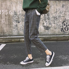 Load image into Gallery viewer, New Fashion Women Pockets Plaid Loose Casual High Waist Pant