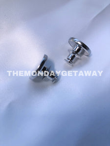 Instant Button (Front) - themondaygetaway.