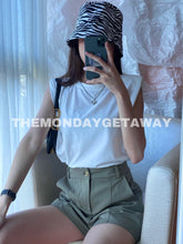Load image into Gallery viewer, Everyday Shorts (Olive) - themondaygetaway.