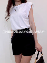 Load image into Gallery viewer, Everyday Shorts (Black) - themondaygetaway.
