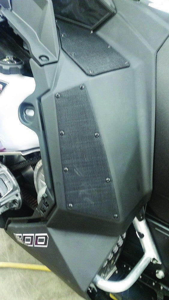 2 Cool Side Knee Vents Polaris Axys