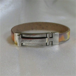 Classic pastel colored leather braclet with shinny silver clasp