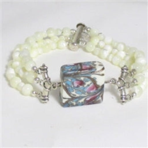Venetian glass handmade bead and mother of pearl bracelet