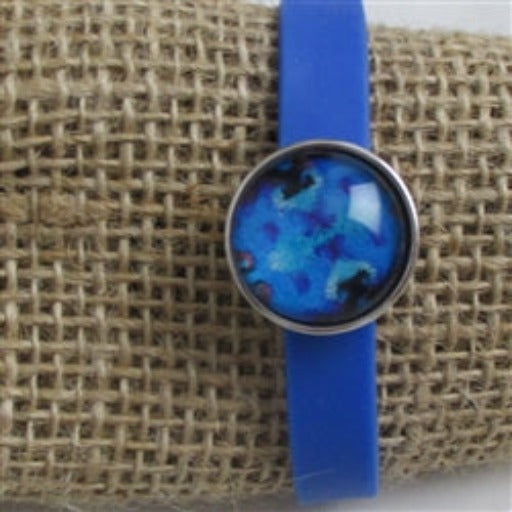 Kid's blue bracelet with cute accent in blue