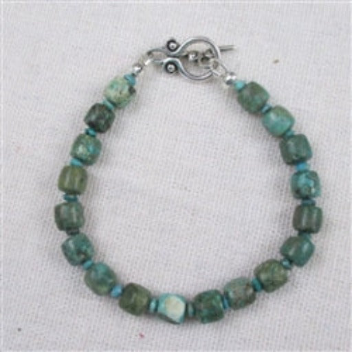 Turquoise bracelet in a classic style