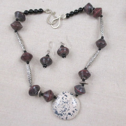 Maroon Paper & Cream Kazuri Pendant Necklace & Earrings