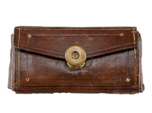 Load image into Gallery viewer, Brown Leather Pocket Set with Brass Latch